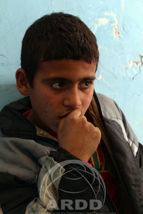 أحمد طفل في الرابعة عشرة من عمره و يسكن في عمان مع والدته و أشقائه الخمسةوالده مفقود في سوريا و أفادت أم أحمد أن أطفالها يعانون من قلق و خوف دائم